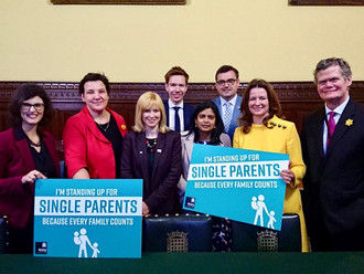 Gavin Newlands leads efforts to improve support for single parents