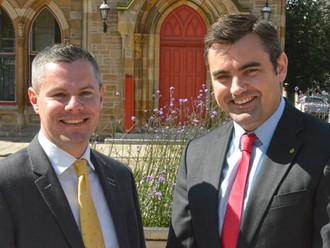 Gavin backs Derek's re-election bid for Holyrood 2016