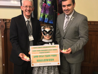 MP raises awareness of children's fire-risk fancy dress outfits