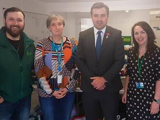 Gavin Newlands MP visits Renfrewshire Foodbank