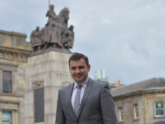 Gavin Newlands MP welcomes Medicines Manufacturing Innovation Centre to Renfrewshire