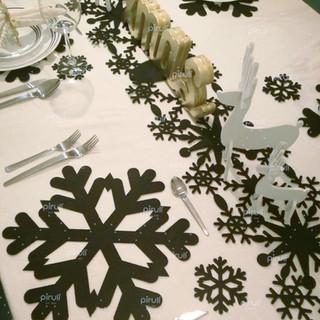 Lo más trendy para decorar tu mesa en Navidad!!