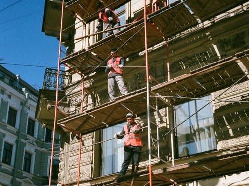 Essai à transformer sur la rénovation des bâtiments