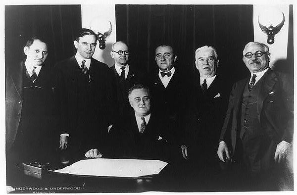 president-franklin-roosevelt-and-six-oth
