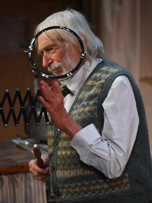 Pierre Richard dans  Monsieur X, de Mathilda May