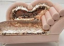 קופסת תכשיטים מפוארת בצורת ספה