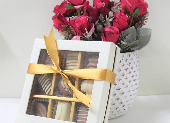 פרחים בכלי ושוקולד