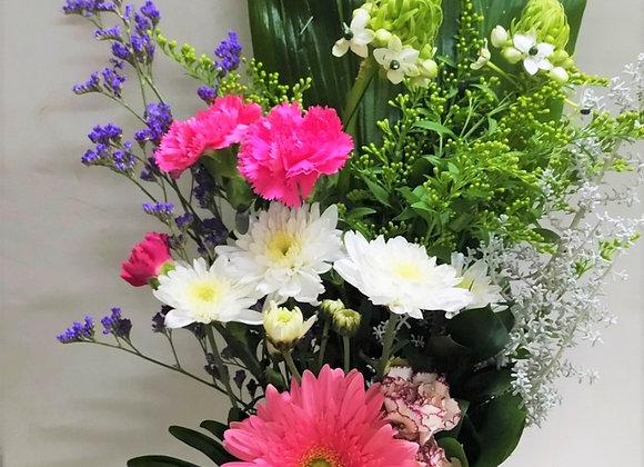 אגרטל עם פרחים מעוצבים
