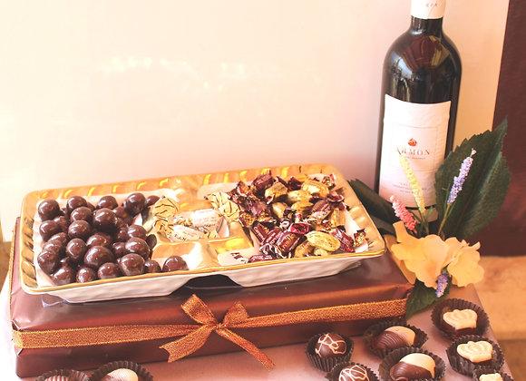 כלי מחולק יין ופרלינים