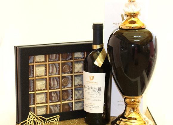 יין משובח מאד פרלינים וכלי מהודר