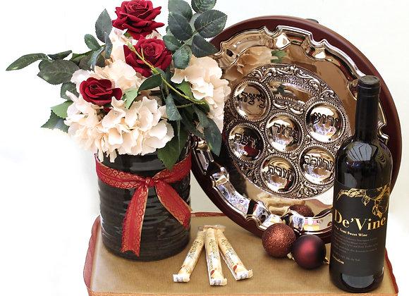 קערת סדר מעץ, פרחים ושוקולד