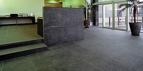 zanza-natuursteen-vloer-reinigen.jpg