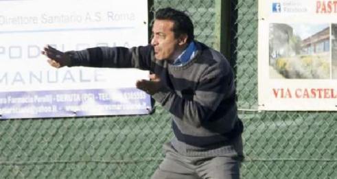 L'ex tecnico del Villabiagio, come anticipato domenica sera, prende il posto di Vincenzo Conti con l'obiettivo di centrare la salvezza. Nelle ultime due sfide affronterà Subasio e Bastia