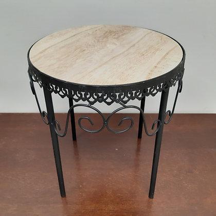 Petite table en métal - F008