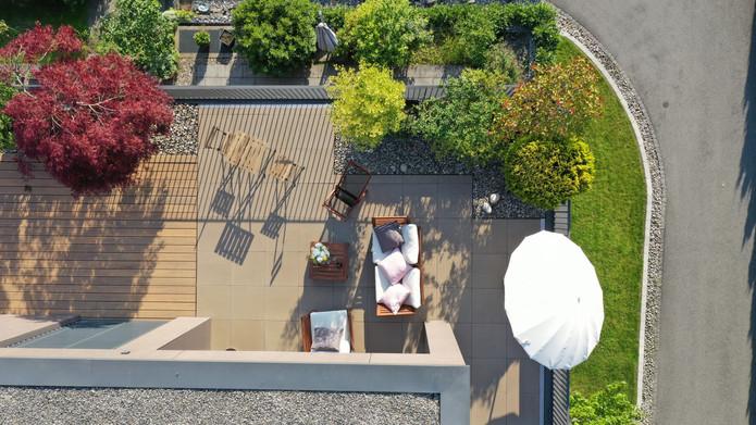 Wir richten unsere neue Terrasse ein