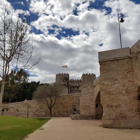 Torres de Serranos aus einer anderen Perspektive