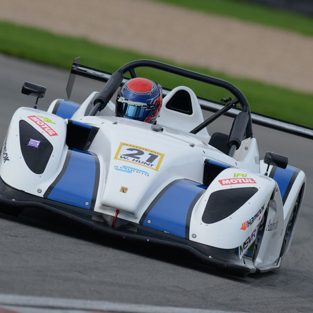 hunt extends rookie cup lead at donington park