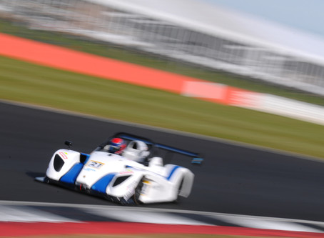 Hunt takes another rookie win in a weekend of mixed results
