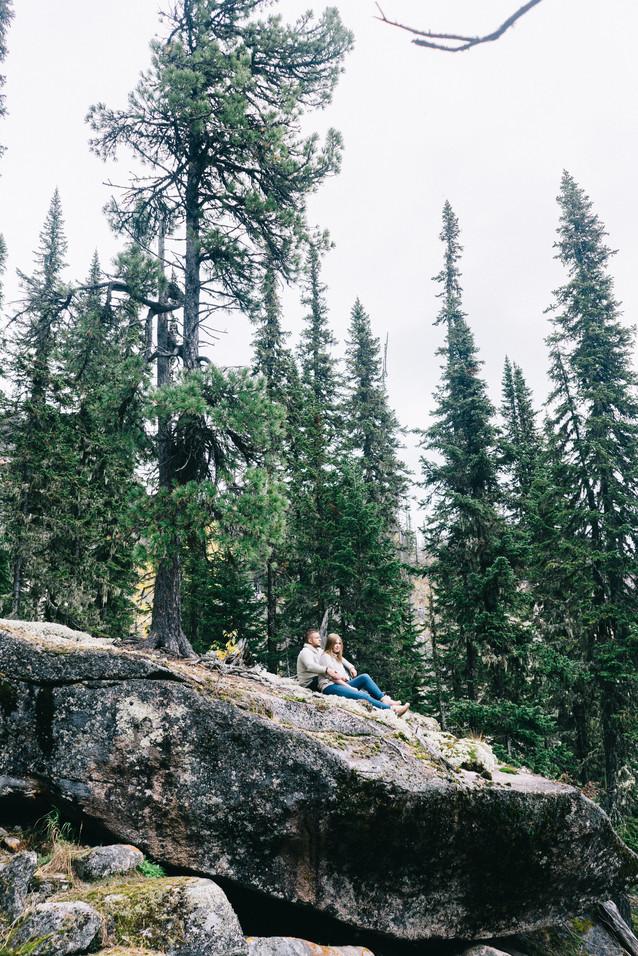 Фотосессия влюбленных в горах
