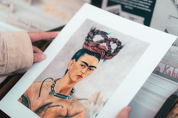Рынки в Мехико с картинами Фриды Кало