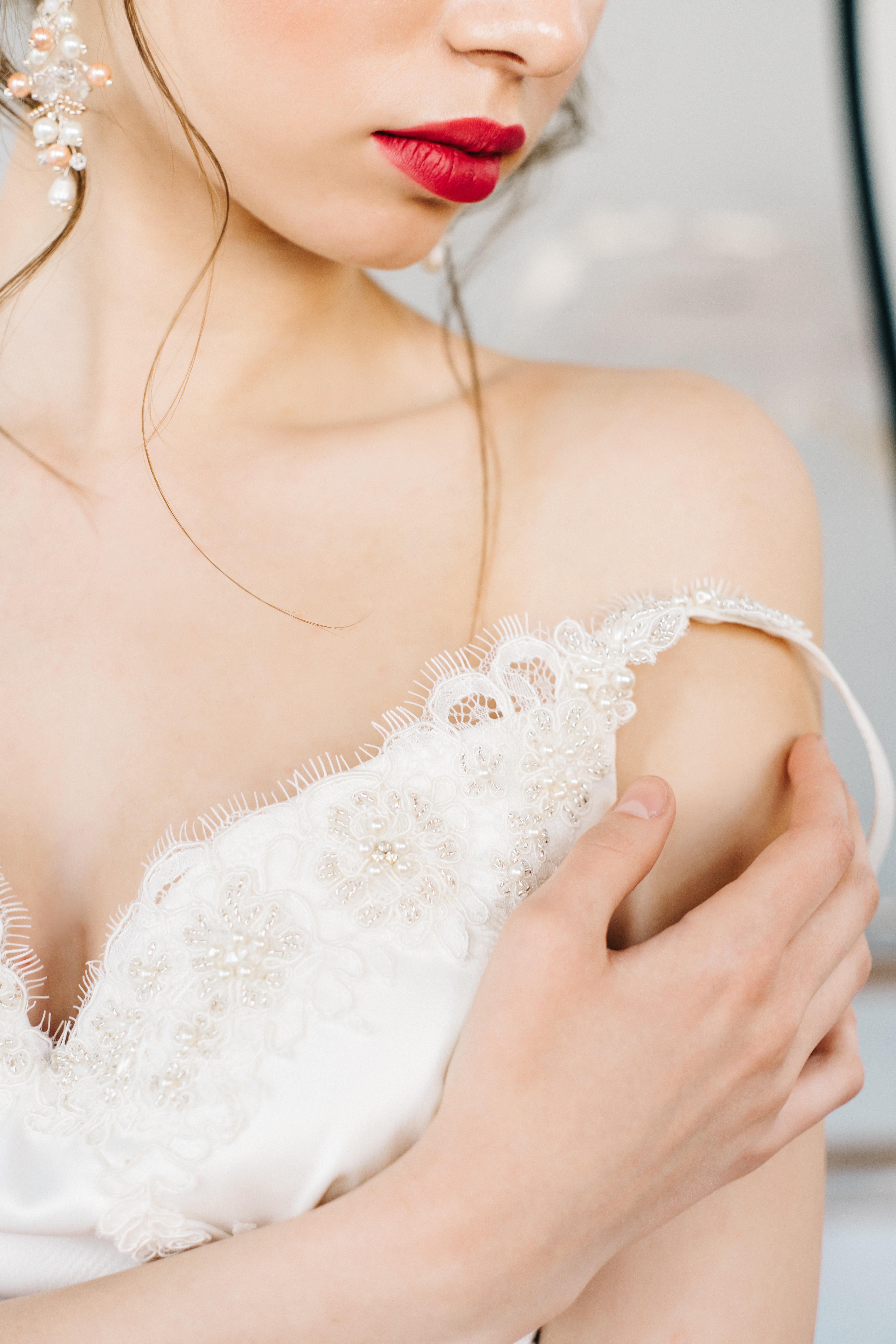 Будуарная съёмка утра невесты