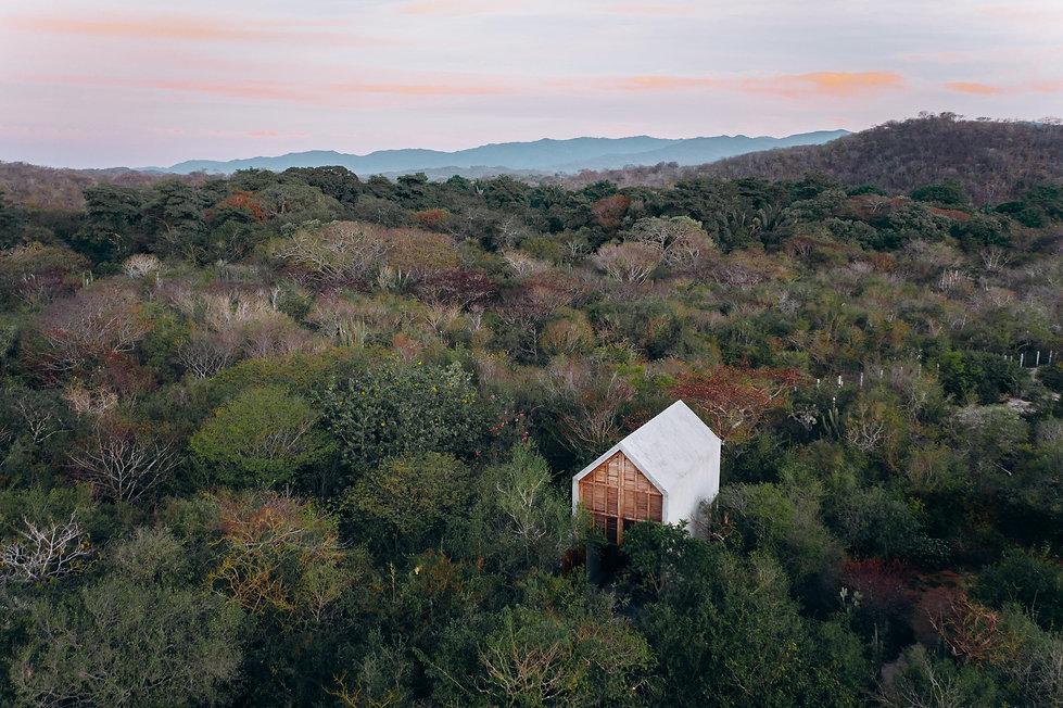 Одинокий дом в джунглях Пуэрто-Эскондидо