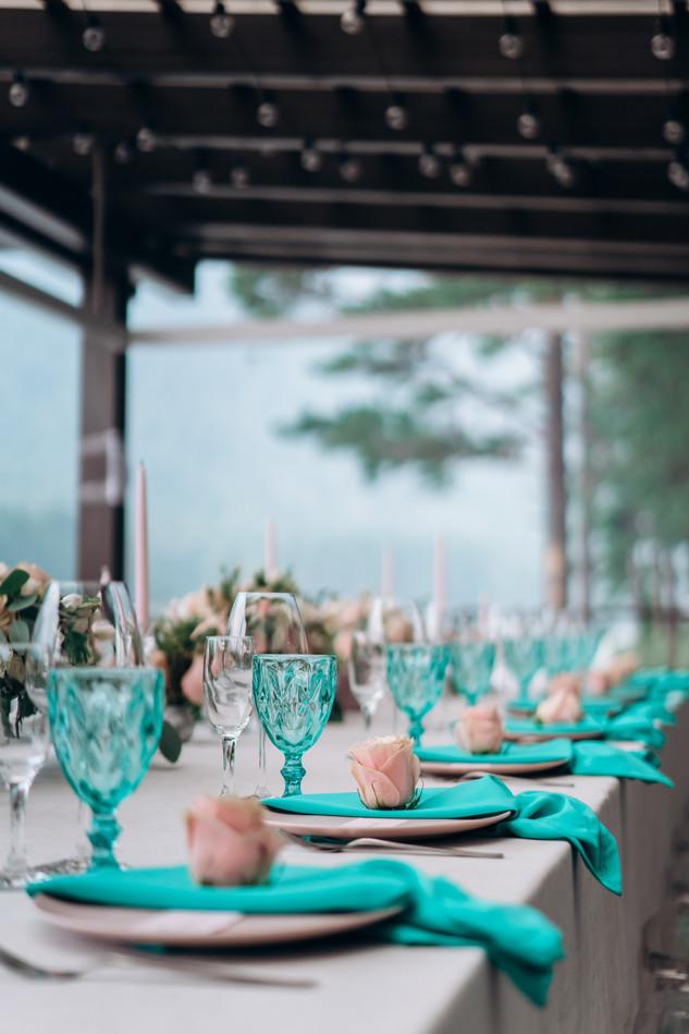 Красивая свадьба на Алтае в отеле Алтика