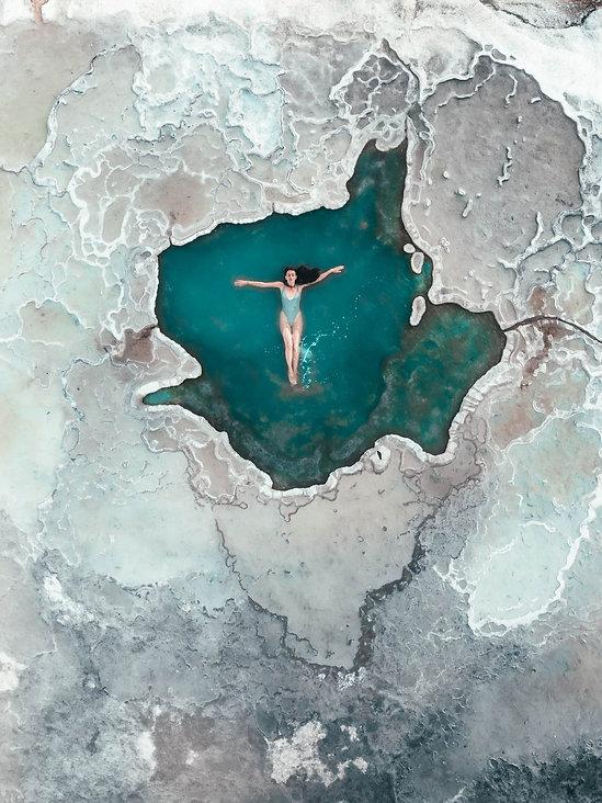 Купание в голубой воде Hierve El Agua