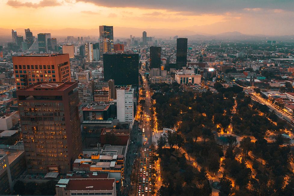 Самостоятельное путешествие по вечернему Мехико