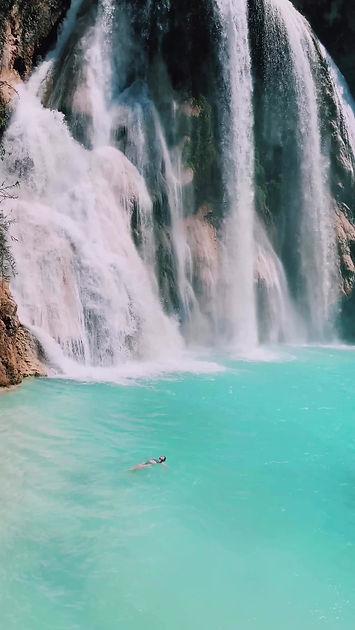 Плаванье в водопадах Cascadas El Chiflon