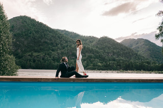Камерная свадьба в отеле Klerer Resort в Горном Алтае