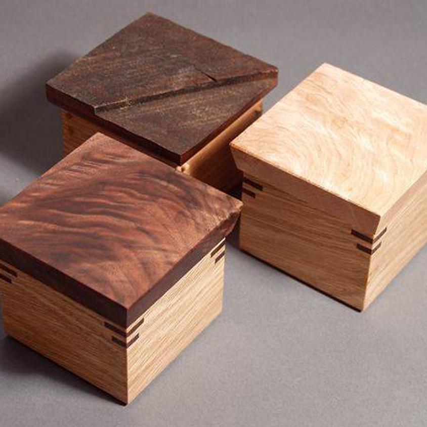 Make a Simple Miter Box (1)