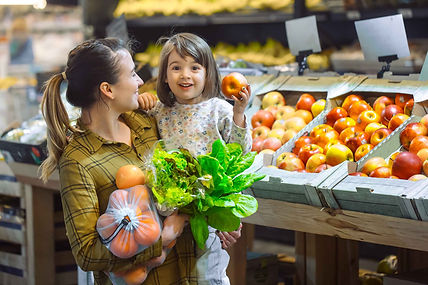 family-supermarket-beautiful-young-mom-h
