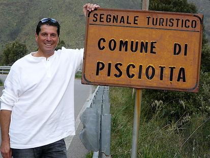 Chuck Pisicotta in Pisciotta, Italy