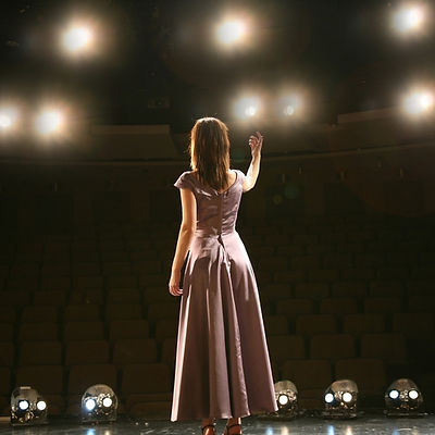 solo woman stage.jpg