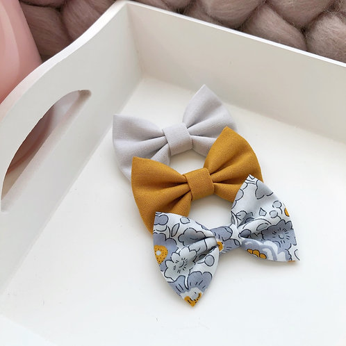 Autumnal Grey and Mustard Bow Set