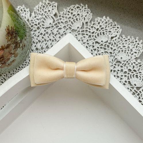 Eggshell Skinny Velvet Bows