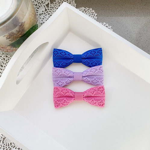 Skinny Lace Bows