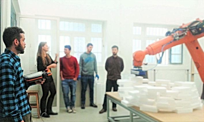 DFL, braço robótico
