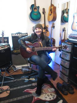 Guitar and Bass Lessons with Johnny Lightfoot Sara H.
