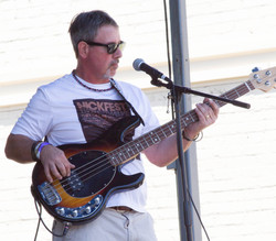 Guitar & Bass Lessons with Johnny Lightfoot Lightfoot Productions. Michael H at Nikfest 2