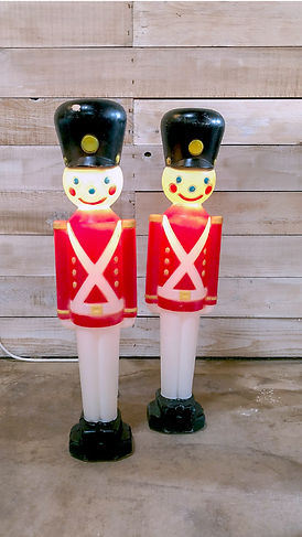 CHRISTMAS_Blowmold_Nutcrackers2.jpg