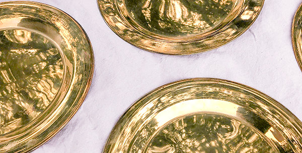 Kahayan Vintage Brass Chargers