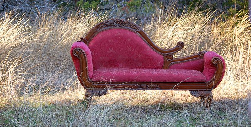 Lombarde Fainting Couch