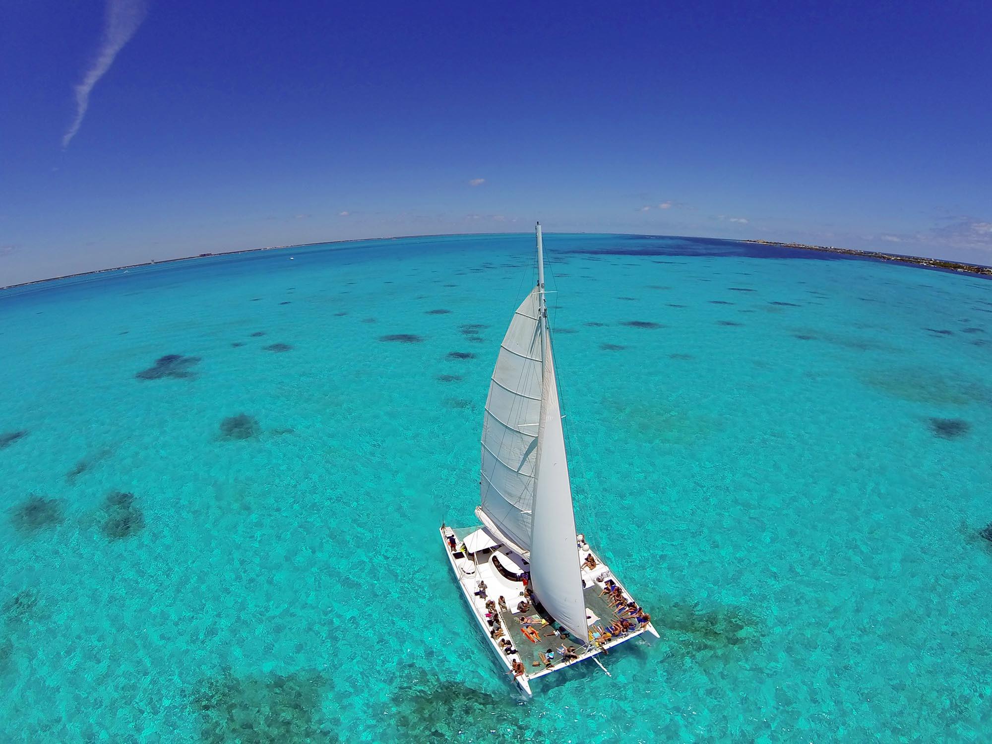 Catamarán a Isla Mujeres