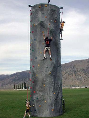 Shady Oaks Rides_rock-climbing-wall