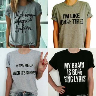 Moda e ironia: a onda das frases nas roupas.
