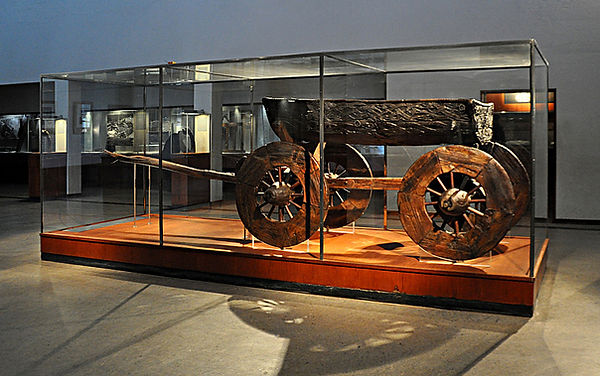 Wooden_cart_the_Oseberg_burial_mound_Nor