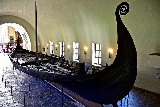 Oseberg_Ship_-_Viking_Ship_Museum_(Oslo)