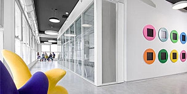 """משרדים להשכרה במערב ראשון לציון בגודל של 1000 עד 2000 מ""""ר , בתהליכי בניה מתקדמים ניתן לחלוקה על פי דרישת הלקוח"""